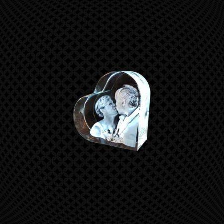 Bloc de verre en coeur 3D 7cm