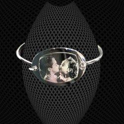 Bracelet Petit Jonc médaillon ovale à graver