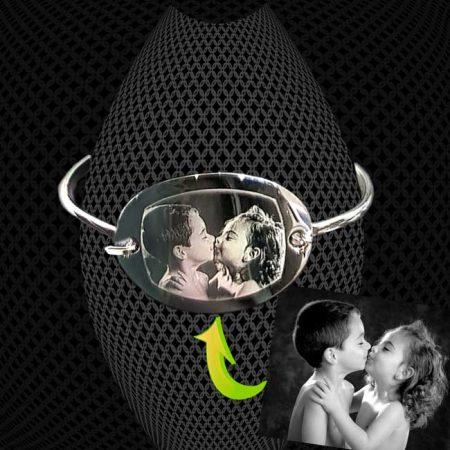 Bracelet petit Jonc medaillon ovale à graver